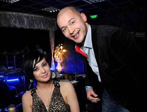 Аня Якунина и Андрей Черкасов в ночном клубе