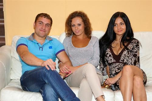 Валерия Кашубина с Виталиком Витамином и Викой Малышевой