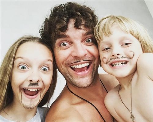 Резинд Камеди Клаб Дмитрий Сорокин с детьми