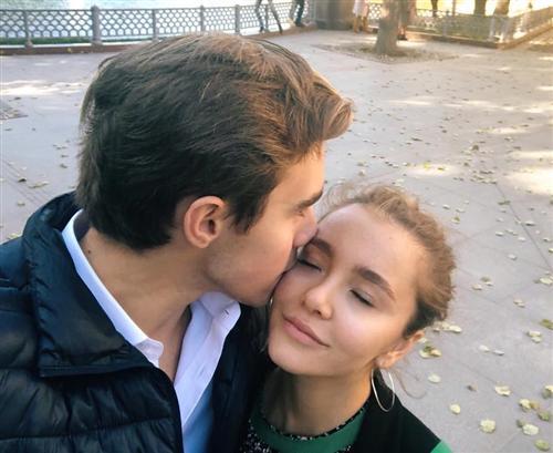 Доминик Раманаускас и его девушка Соня Кромова