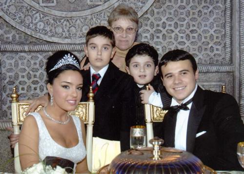 Эмин Агаларов с женой и детьми