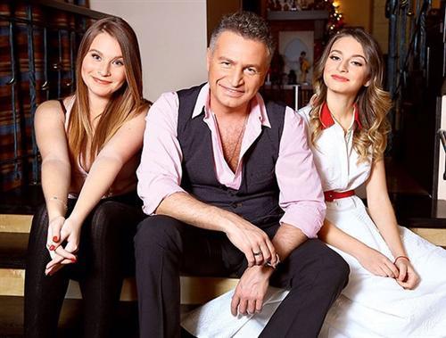 Фото Леонида Агутина с дочерьми