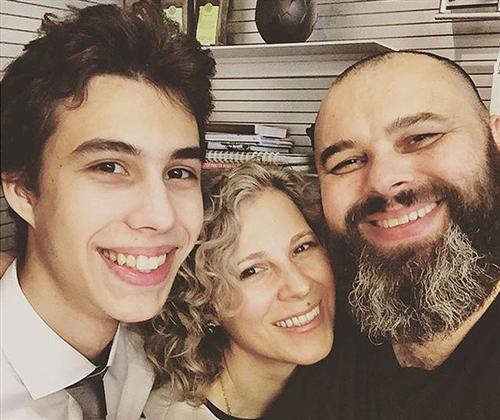 Макс Фадеев с женой и сыном (фото)