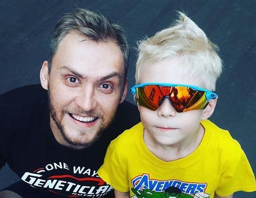 Михаил Печерский с сыном