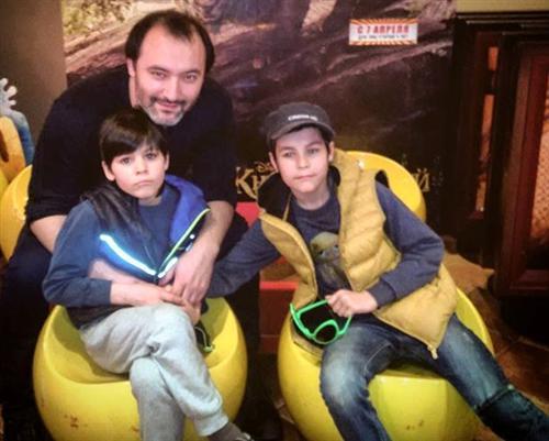 Саид Дашук Нигматулин с детьми