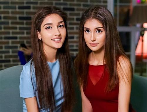 Аида и её сестра Саида Бабаева в Доме-2