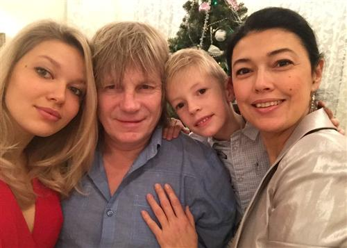 Жена и дети салтыкова фото