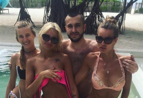 Владимир Новиков участник шоу Экс на пляже