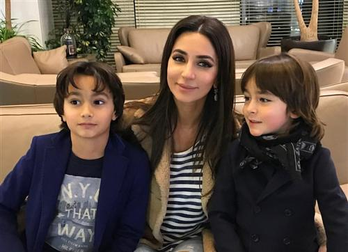 Певица Зара с детьми