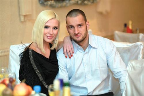 Настя Ковалева с Лёшей Самсоновым