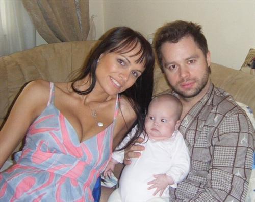 Виталий Гогунский с женой Ириной Маирко и дочкой Миланой