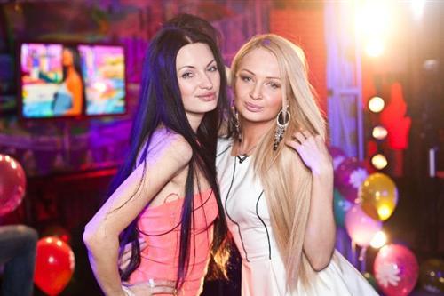 Даша Черных с лучшей подругой Женей Феофилактовой