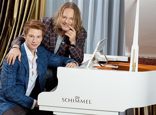Никита со звездным отцом Владимиром Пресняковым