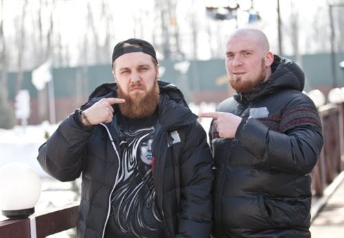 Саша Моисеев с Олегом Волком на площадке Дома-2