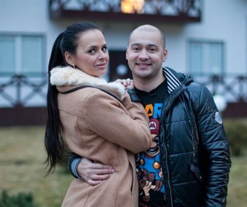 Виктория Романец с Андреем Черкасовым на поляне Дома-2
