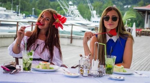 Диана Игнатюк и Татьяна Охулкова