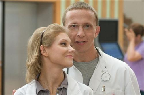 Варя Черноус и доктор Быков в сериале Интерны