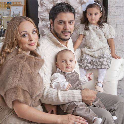 Александр Бердников с женой и детьми