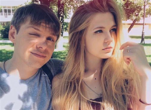Александр Грашин и его девушка
