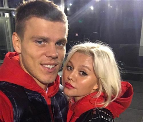 Александр Кокорин и его жена Дарья Валитова