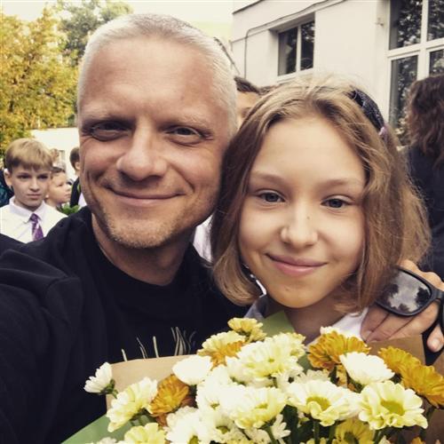 Стендап-комик Александр Шаляпин и его дочь Настя