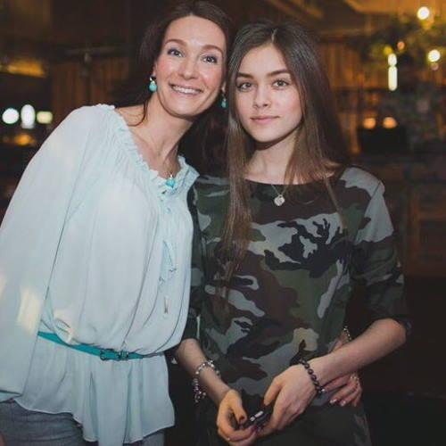 Александра Свиридовская (Холостяк)