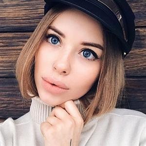 Алина Топилина - фото из Инстаграм