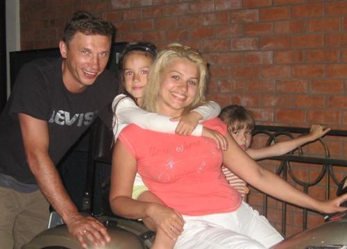 Фигуристка Алина Загитова с родителями и сестрой