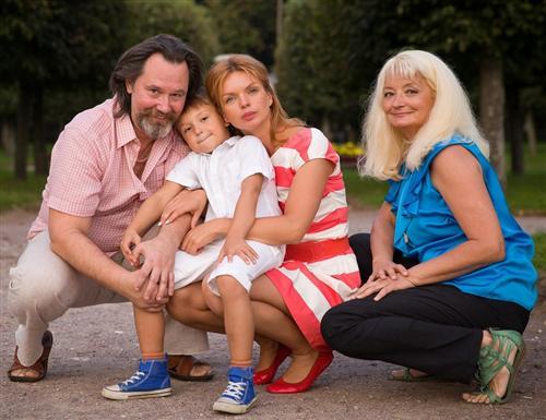 Алиса Гребенщикова с родителями и сыном Алексеем