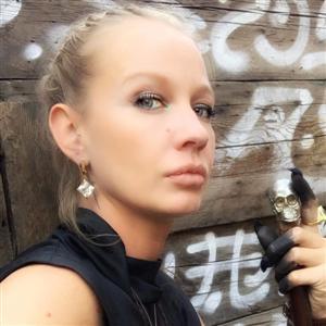 Алиса Суровова - фото из Инстаграм