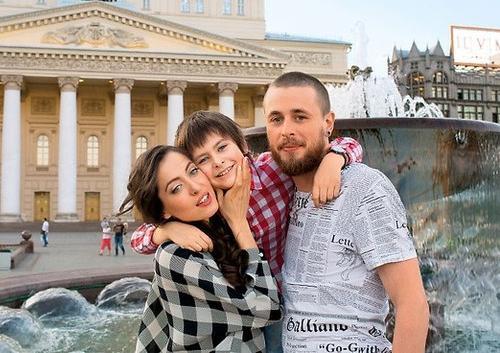 Анастасия Меськова и её муж Александр и сын Василий
