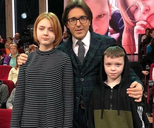 Дарья Суднишникова и отец её ребенка Ваня Чехов