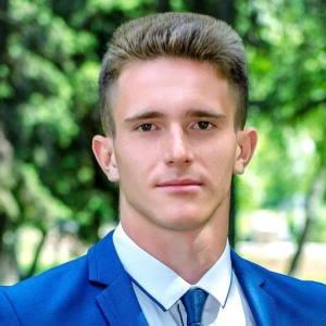 Денис Иродов