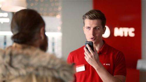 Денис Косяков в рекламе смартфона МТС