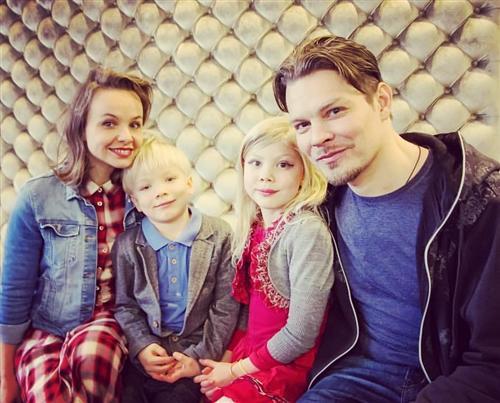 Дмитрий Ланской с женой Екатериной и детьми