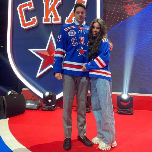 Хоккеист Эмиль Галимов и его жена Лейсан