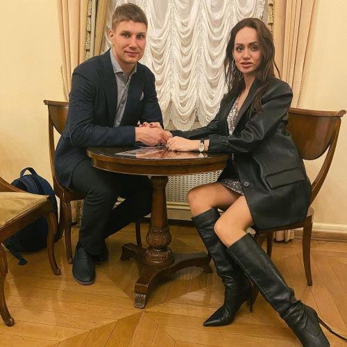 Хоккеист Евгений Тимкин и его жена Анна