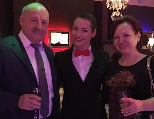 Ида Галич с родителями