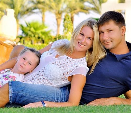 Личная жизнь Инны Дериглазовой: фото с мужем и дочкой