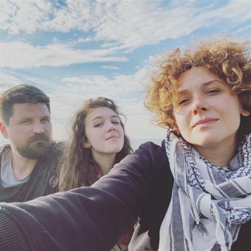 Актриса Ирина Горячева с мужем и дочерью