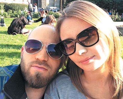 Карина Разумовская и её муж Егор (фото)