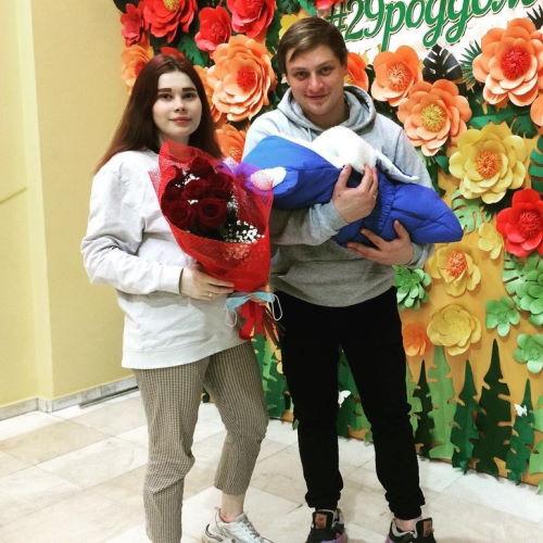 Катя и Андрей (Беременна в 16)