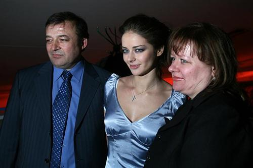 Марина Александрова с родителями