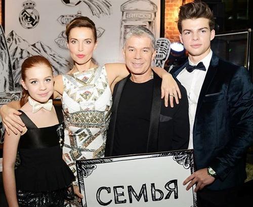 Марина Газманова и Олег Газманов с детьми