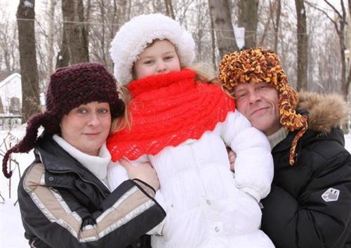 Мария Аронова с мужем Евгением Фоминым и дочкой