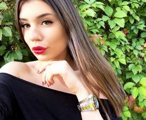Младшая дочь Маши Распутиной Мария Захарова