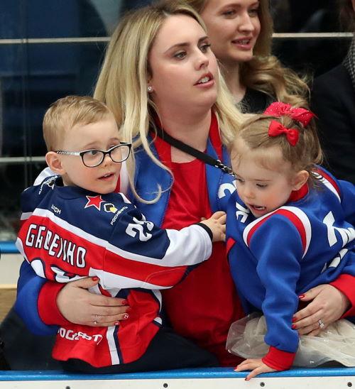 Хоккеист Михаил Григоренко и его жена Джейн