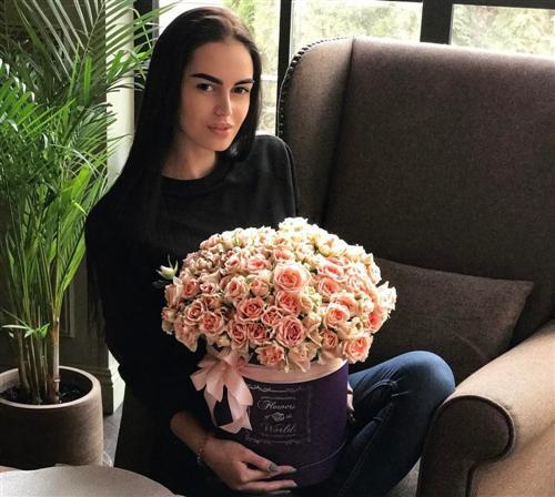 Участница шоу «Холостяк» Николь Сахтариди