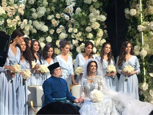 Оксана Воеводина вышла замуж за короля Малайзии