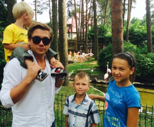Роман Маякин с детьми